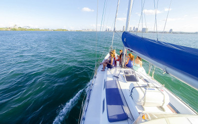 Sailing catamaran cruise Gold Coast