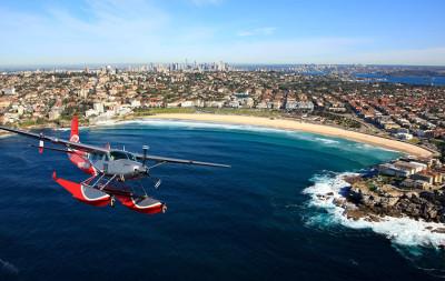 Seaplane flight over Bondi Beach, Sydney