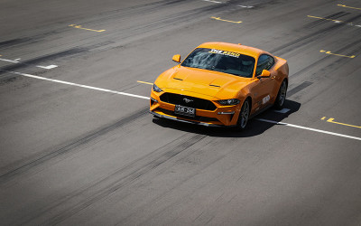 V8 mustang race car driving experience