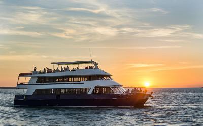 Sunset dinner cruise darwin