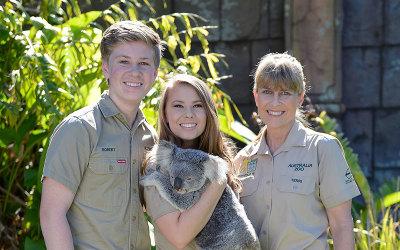 Australia Zoo, Irwin family holding koala