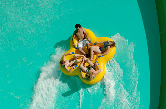 White water world theme park