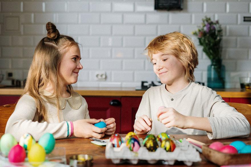 Kids doing easter egg art and craft