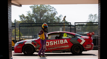 V8 Race Car Driving 4 Laps - Sydney - NSW