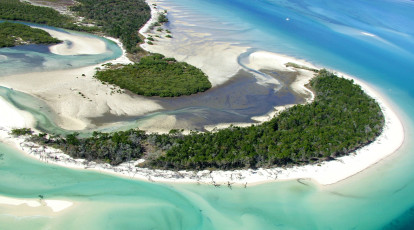 fraser island scenic flight and 4wd hire package for 2. Black Bedroom Furniture Sets. Home Design Ideas