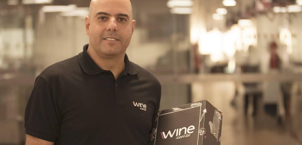 Na foto, Rogério Salume, fundador da Wine.com.br, maior e-commerce de vinhos da América Latina.
