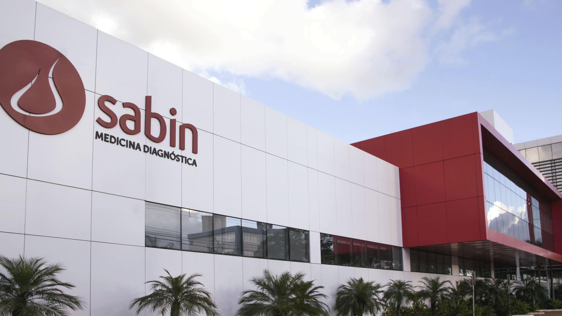 Na imagem, fachada do Laboratório Sabin, rede com mais de 225 unidades e faturamento de mais de R$ 800 milhões