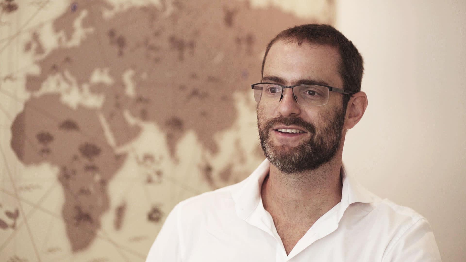 Na imagem, Alexandre Ostrowiecki, CEO da Multilaser, é entrevistado pelo meuSucesso