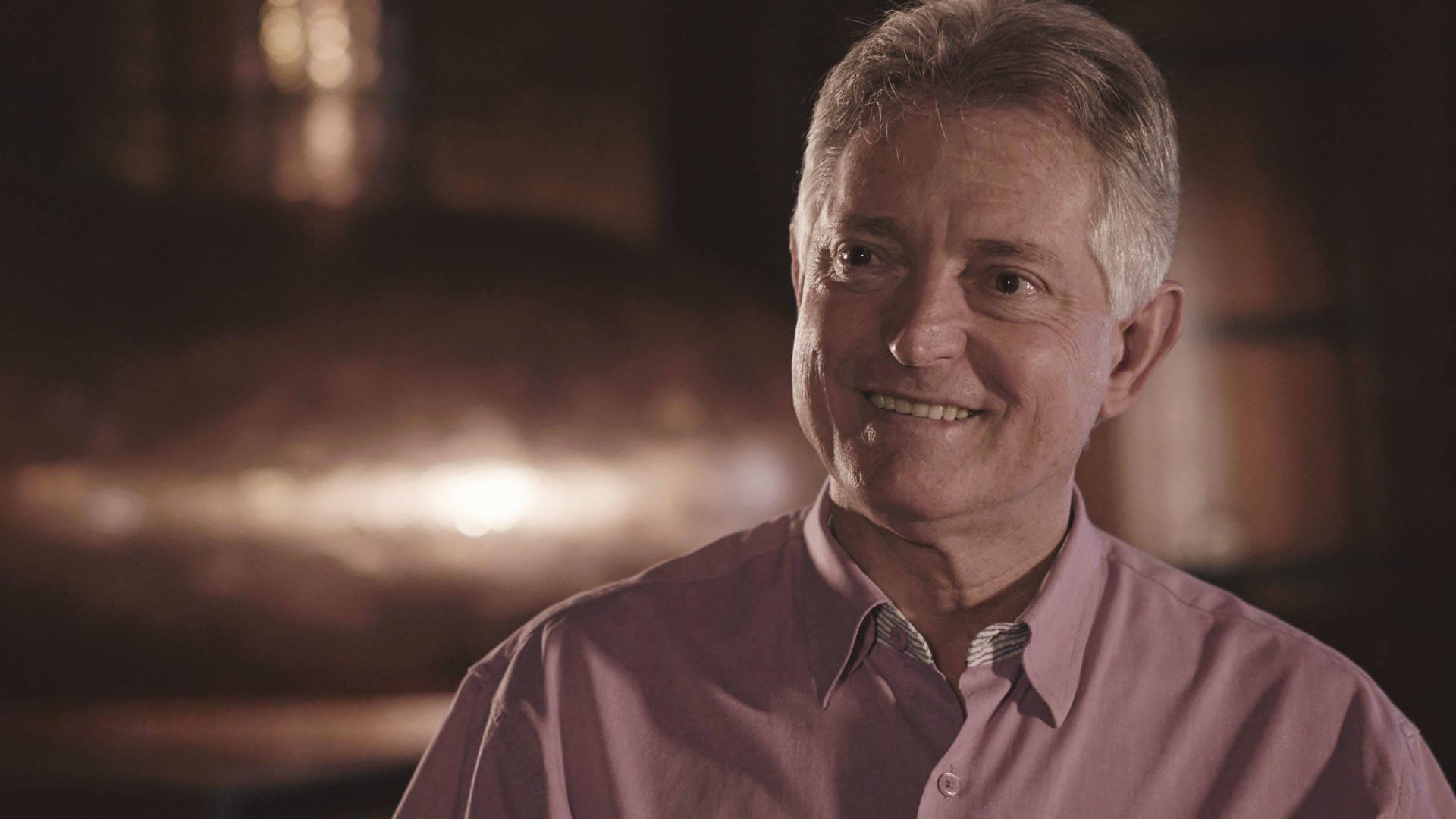 Na imagem, Delfino Golfeto, empreendedor e fundador da rede de restaurantes Água Doce Cachaçaria.