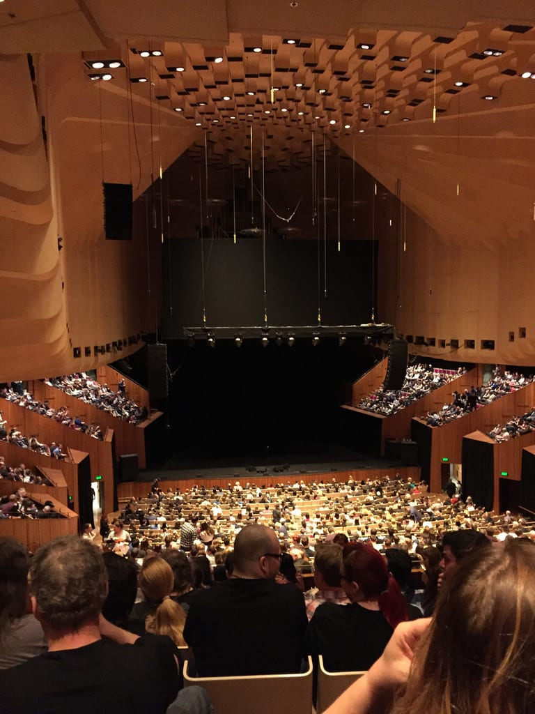 Sydney Opera House Concert Hall / Red Wolf