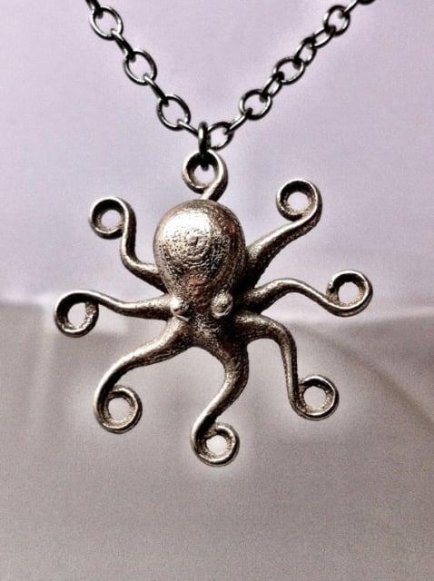 Octopus Pendant Stainless Steel / niquegeek