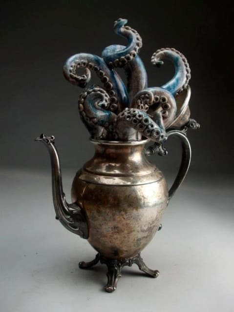 Tentacle Kettle / Grafton Pottery
