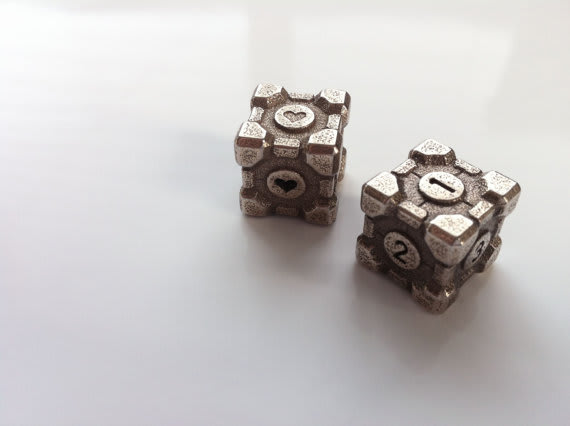 Stainless Steel Weighted Companion Cube Die / niquegeek
