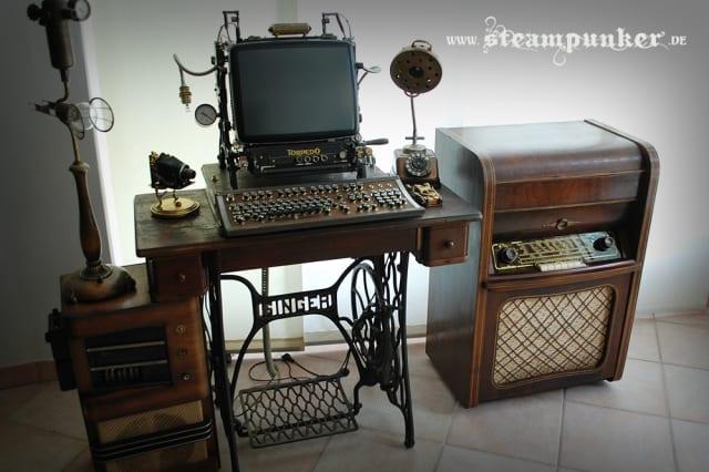 Steampunk Computer / steamworker