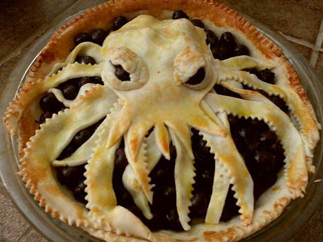 Cthulhu Pie / Sandy Yoo