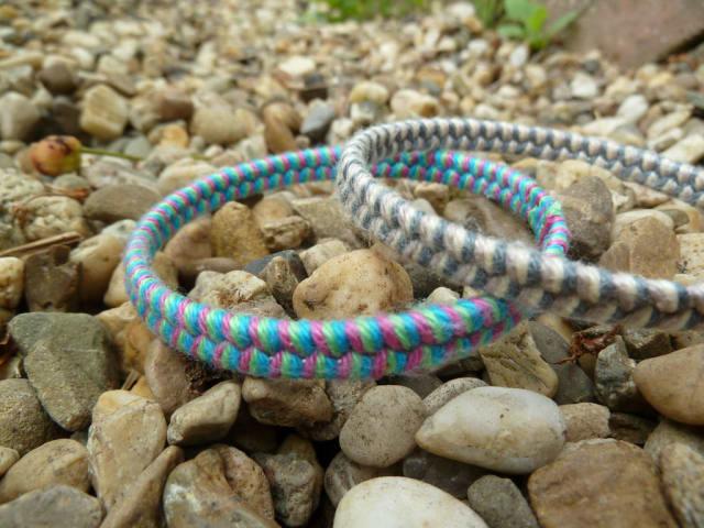 Woven yarn bangles / Emily van Leemput
