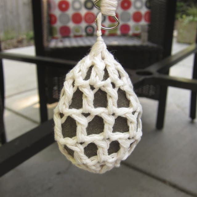 Crocheted Stone Tablecloth Weights / Kat