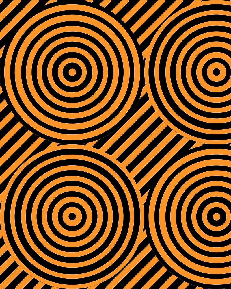 Geometric Pattern: Circle Strobe: Colour/Black / Red Wolf
