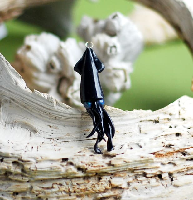 Inky Black Squid Pendant / indolentjellyfish