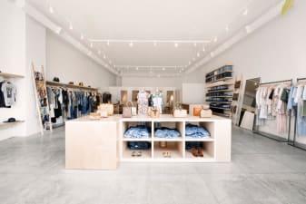 Stores - Customer Service - Reformation