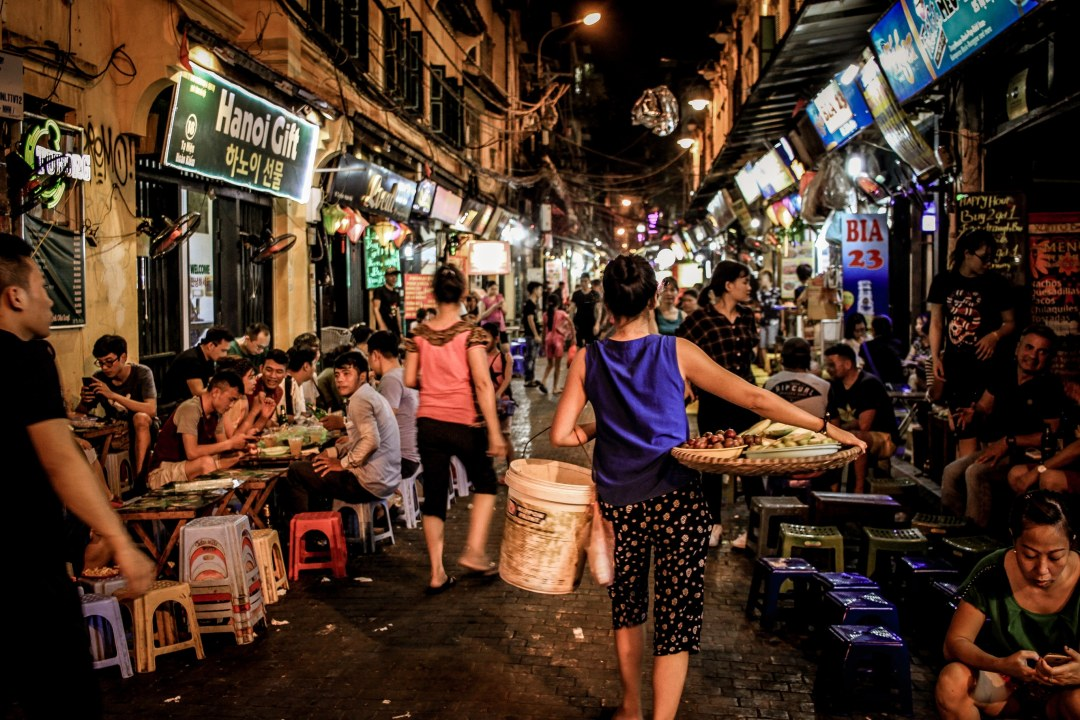 A Few Pros and Cons of Visiting Hanoi