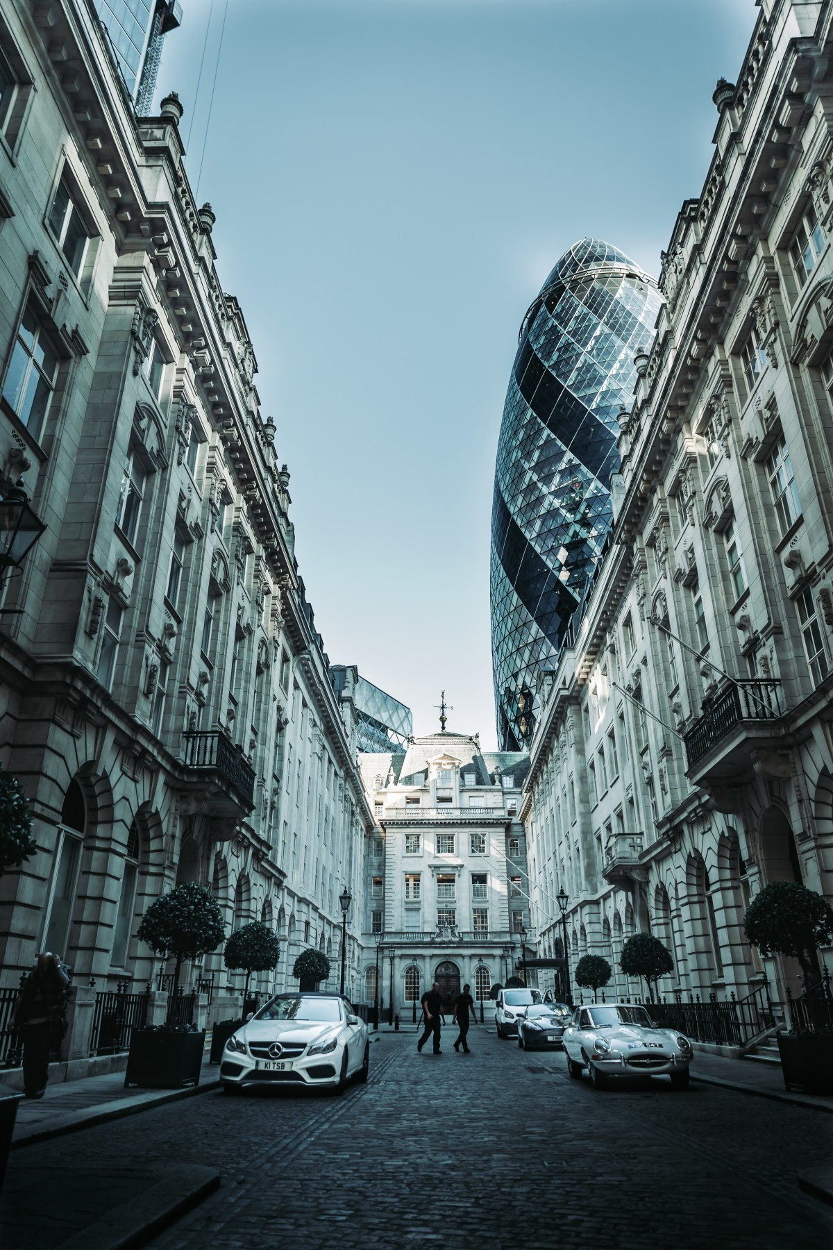 Looking up at the remarkable Gherkin.
