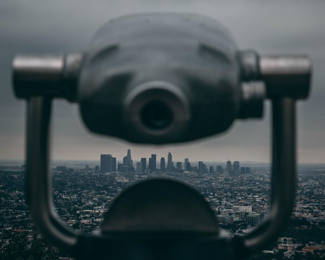 Binoculars are provided for a zoomed in version of the Skyline.