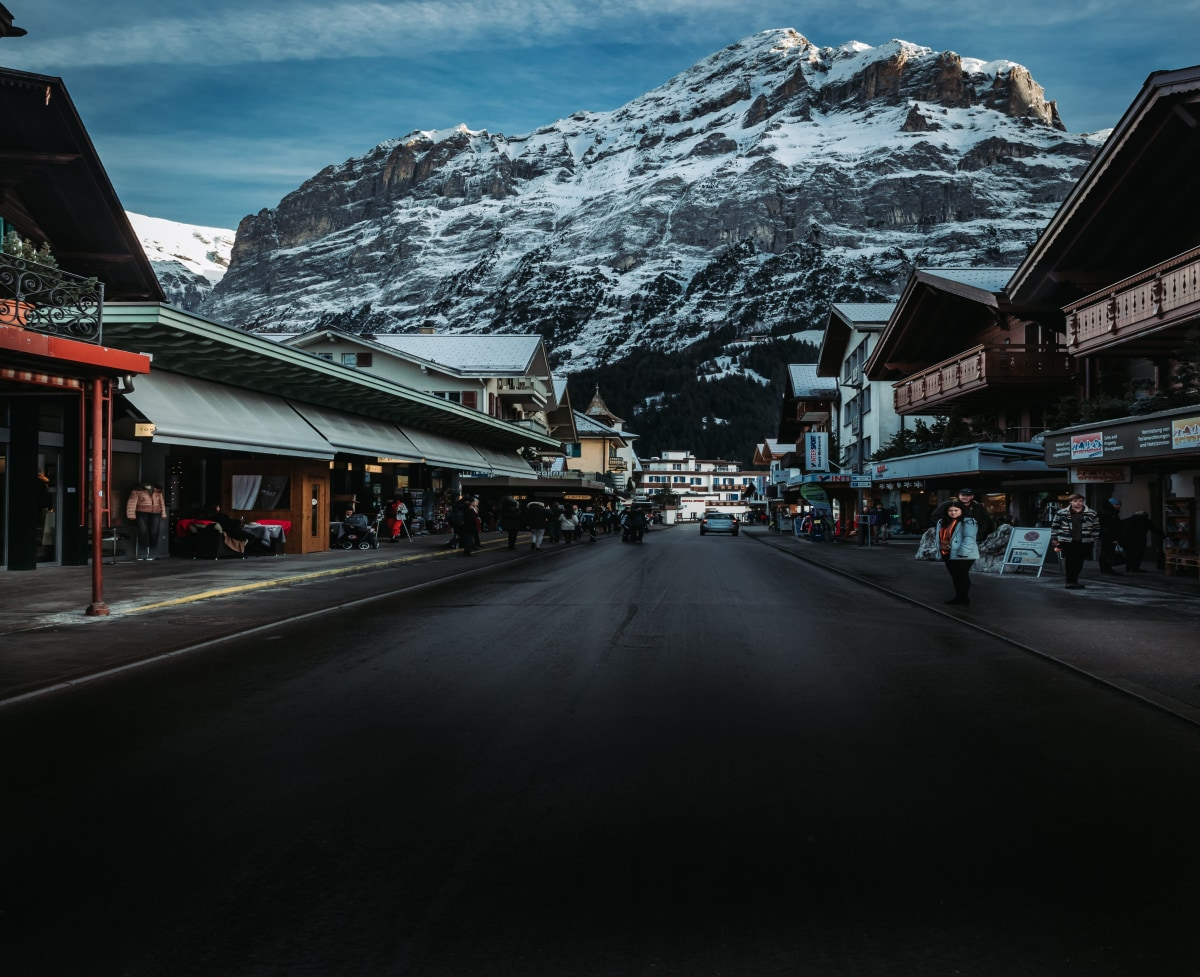 The Main town of Grindelwald. What a  exceptional background that is!