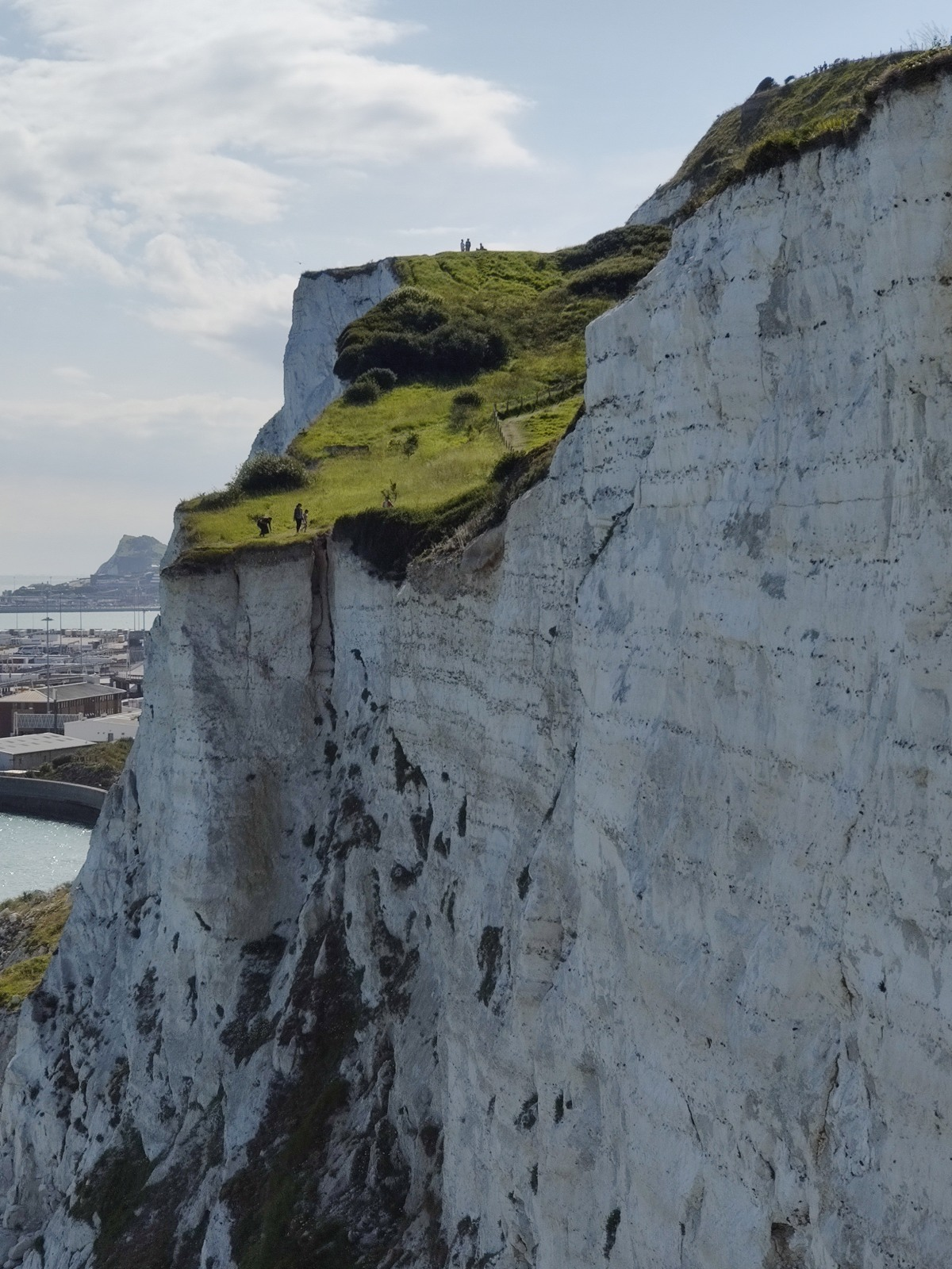 This cliffs are absolutely massive