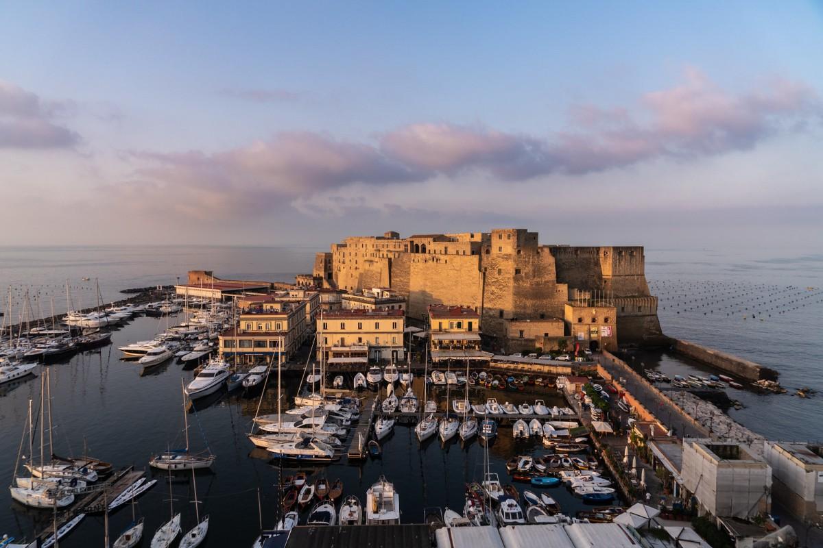 Castel dell\x27Ovo