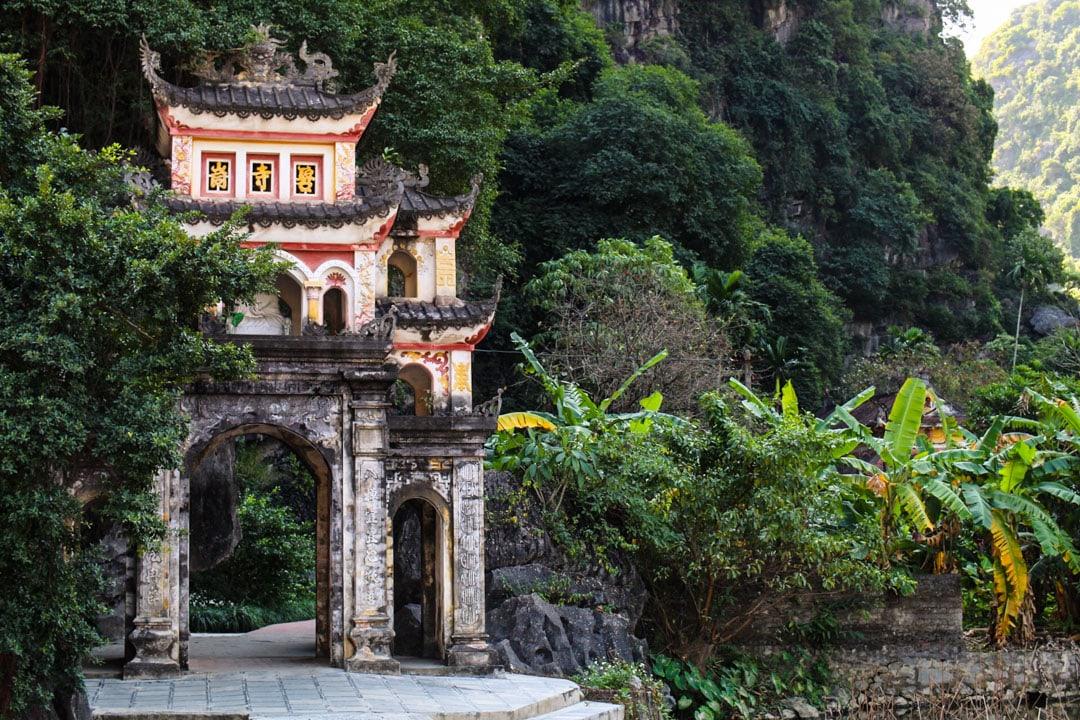 Bich Dong Pagoda entrance