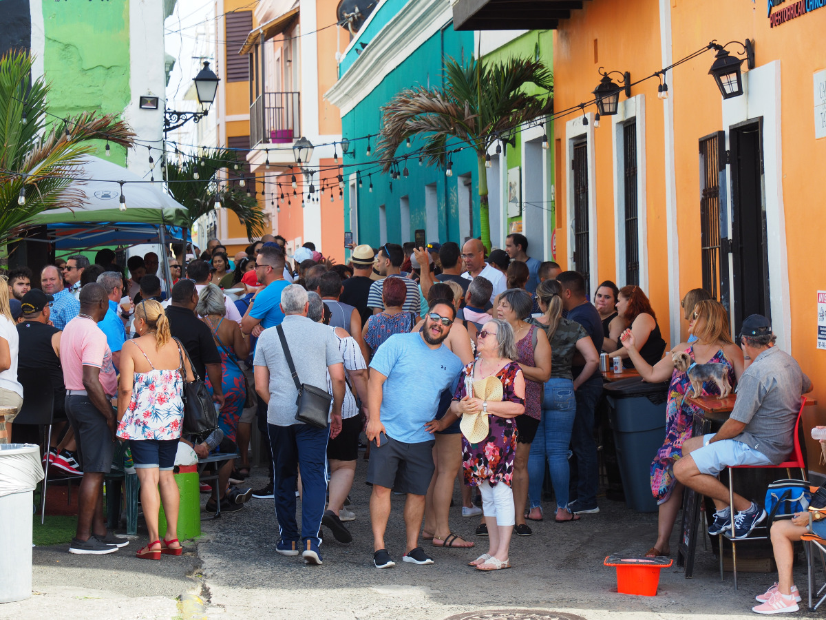There\x27s always a party somewhere in Old San Juan!