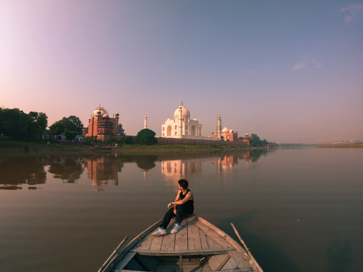 taj from the yauna ghat