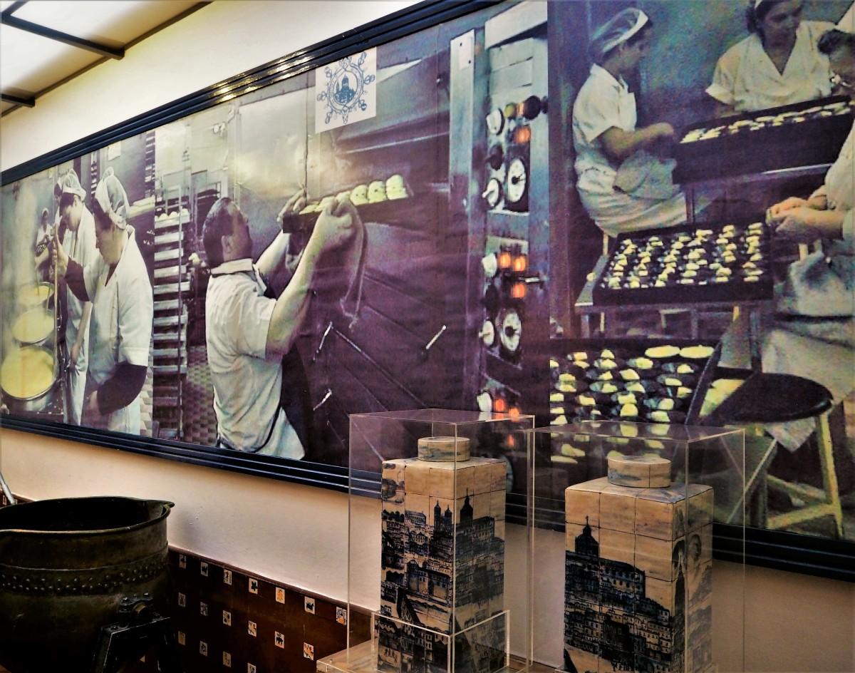 Inside the store of Pastéis de Belém