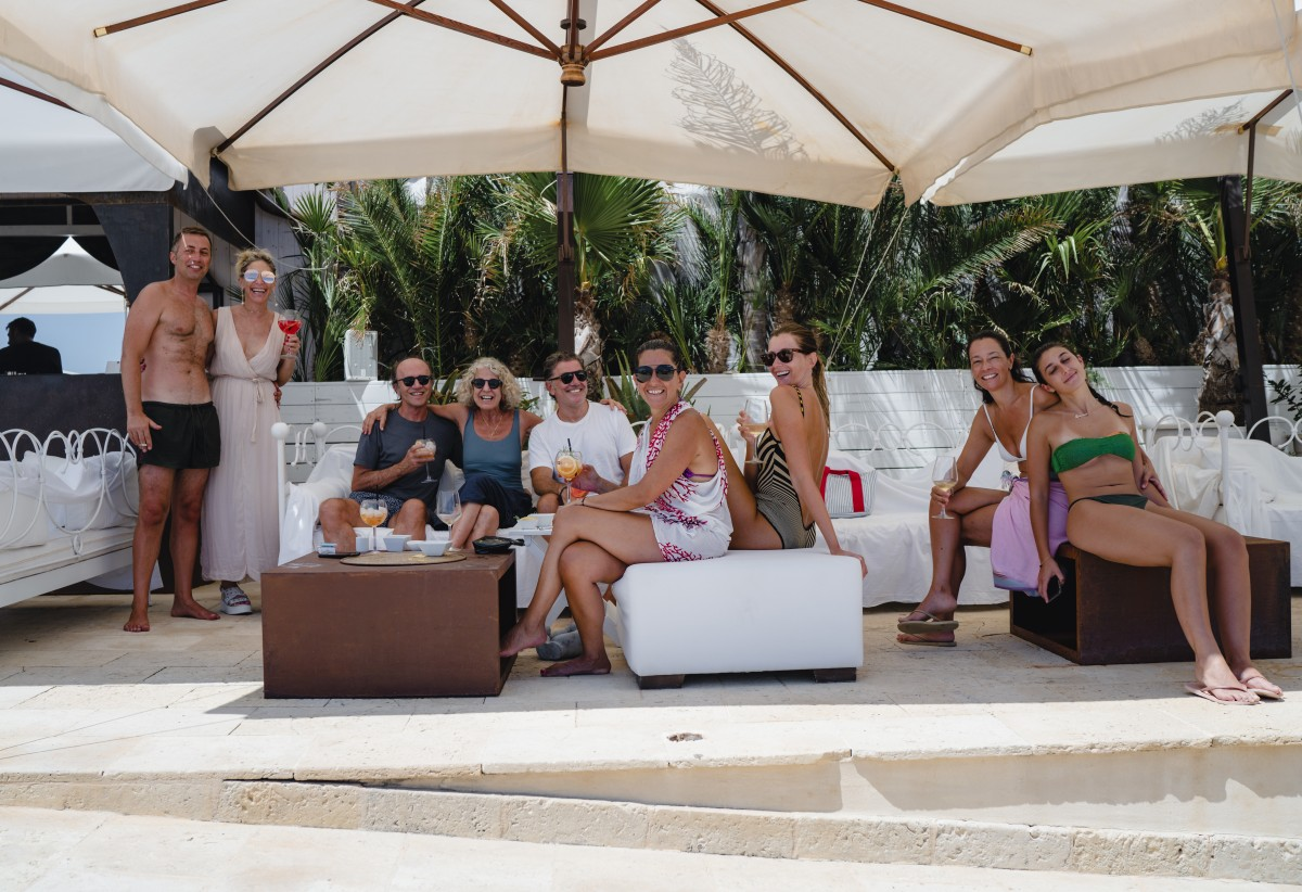 Our gorgeous hostess Laura (owner of  Musciara Siracusa Resort where we stayed) and her friends .