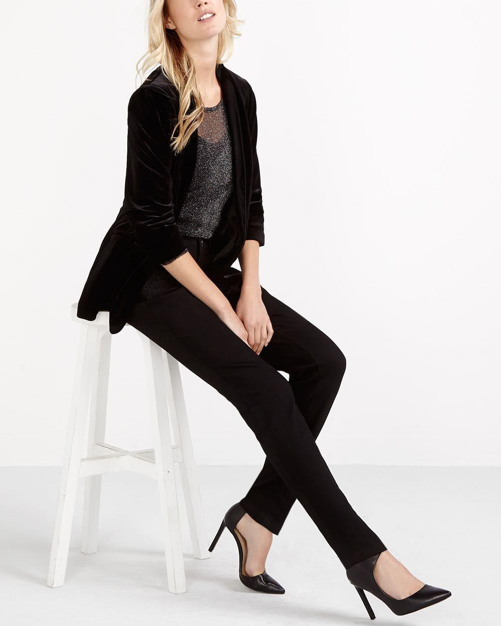Jeans skinny avec broderies ton sur ton