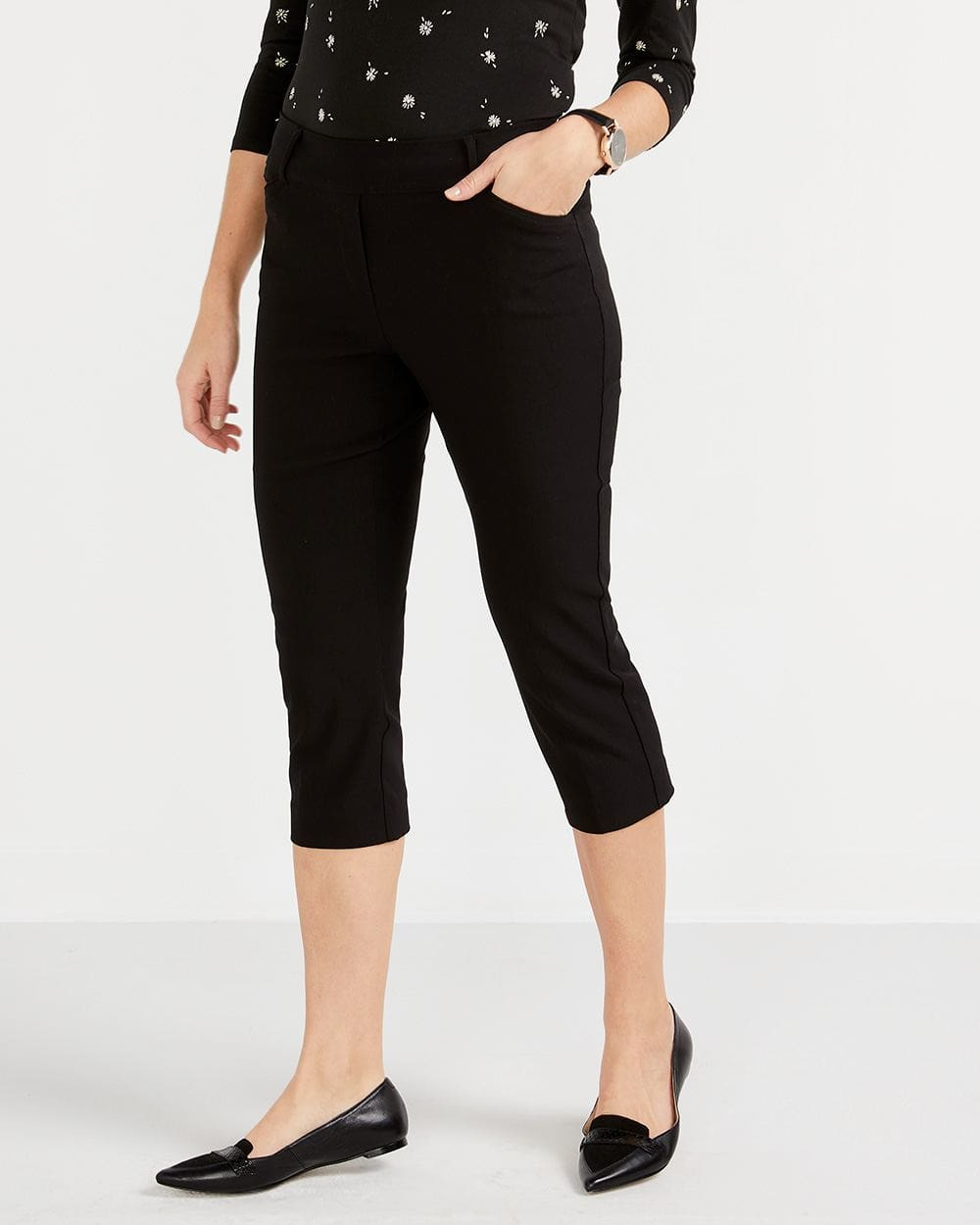 The Iconic Solid Capris