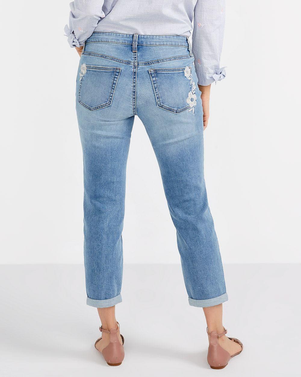 Jeans court à broderies florales Petite