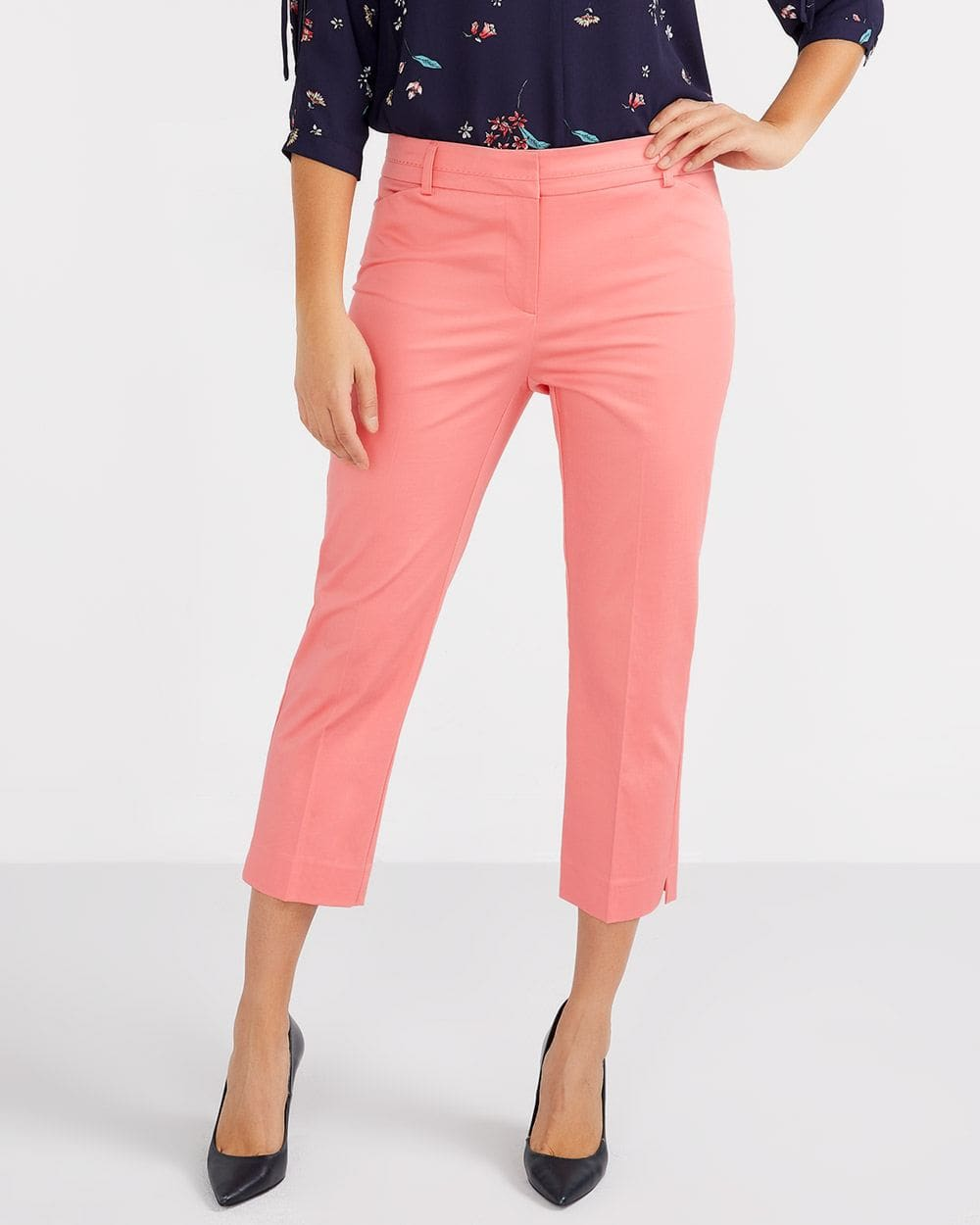 Cotton Blend Solid Cropped Pants