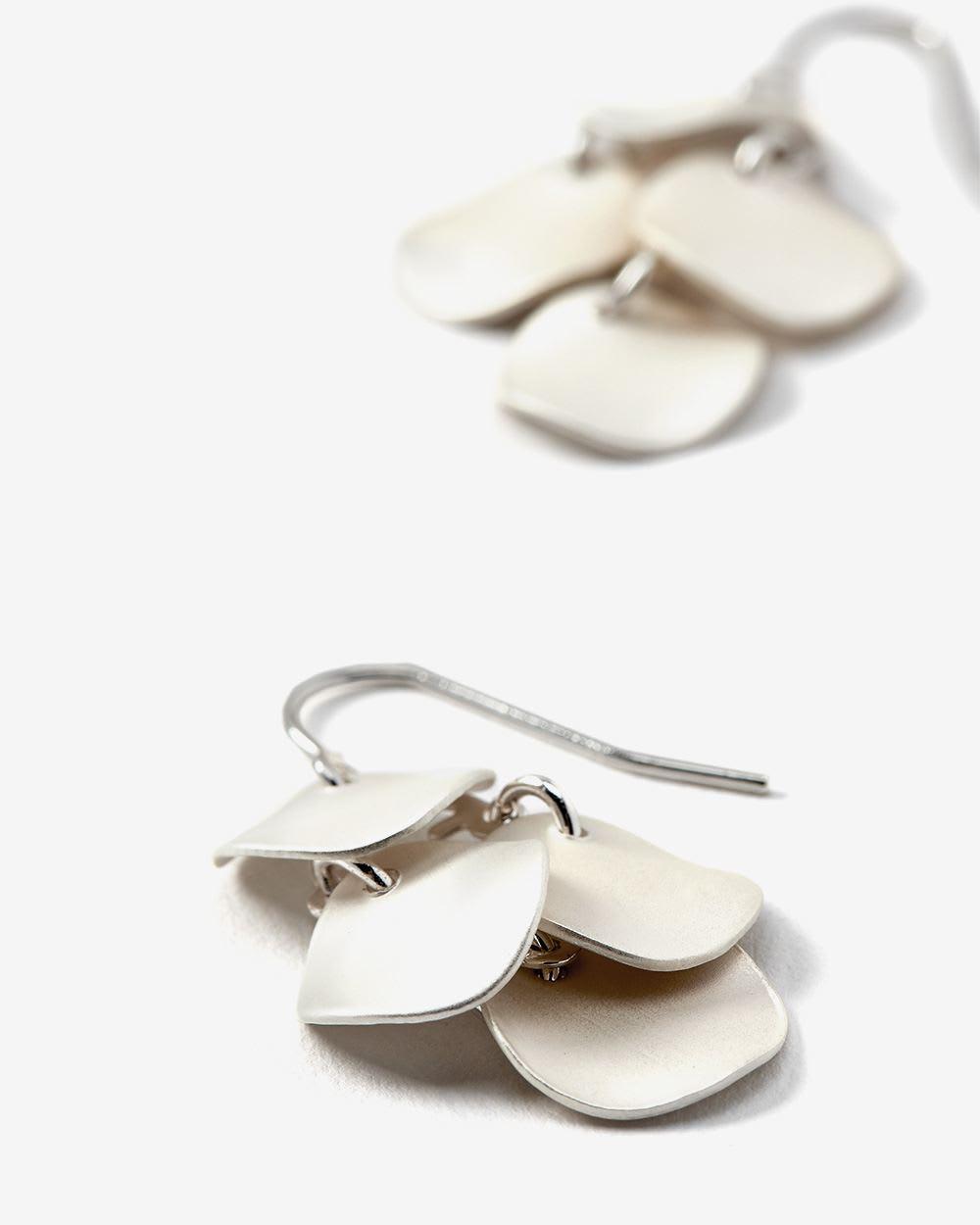Boucles d'oreilles brossées en grappe
