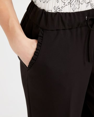 Pantalon à la cheville avec cordon