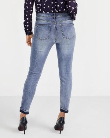 Le Jeans Sculptant à la cheville avec ourlet relâché Long