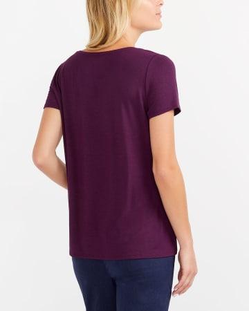 T-shirt uni à col en V Willow & Thread