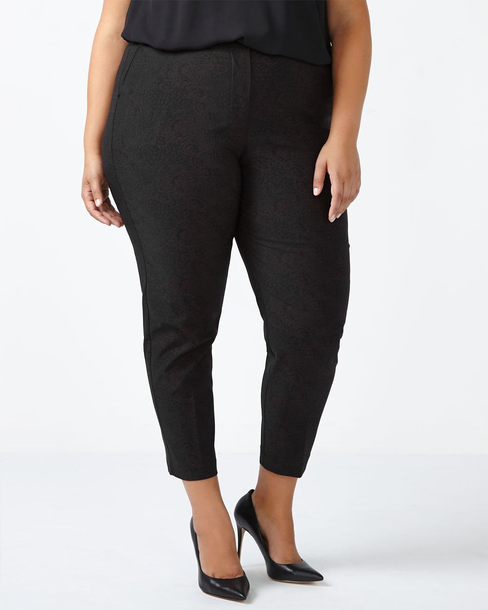 Savvy Chic Patterned Ankle Pant