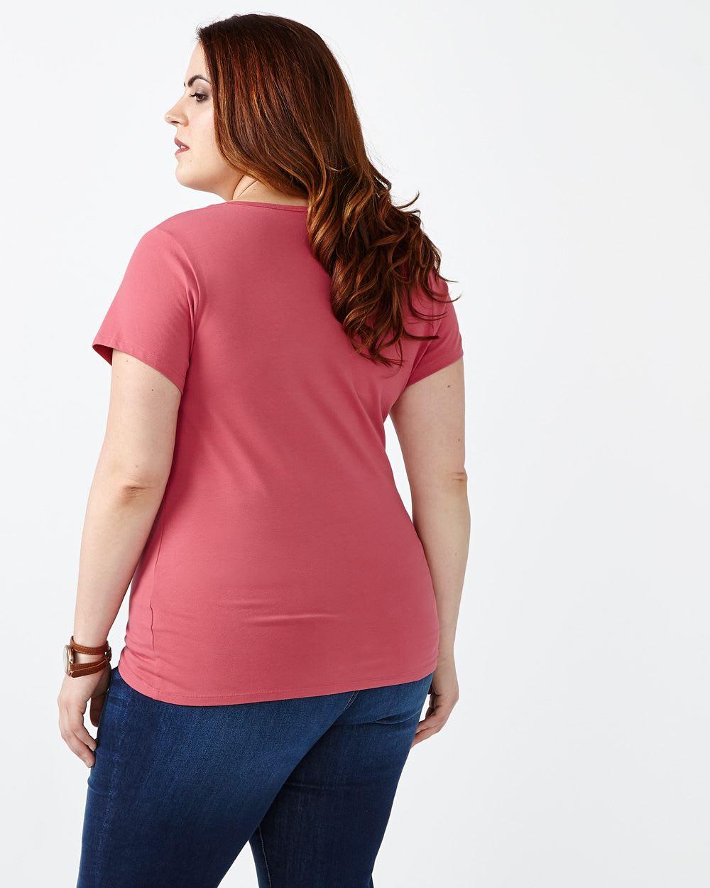 Form Fit V-Neck T-Shirt