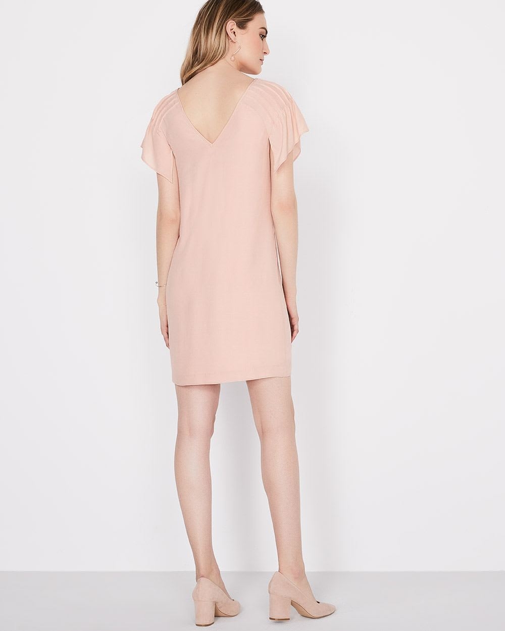 Shift dress with flowy sleeves