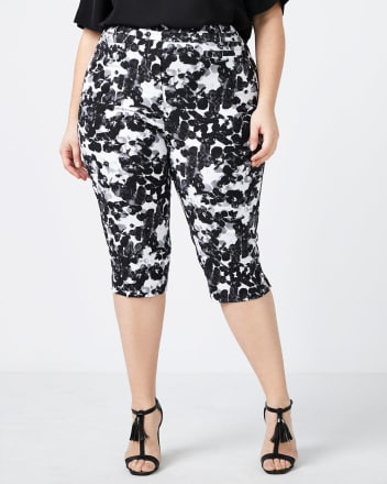 Petite Savvy Soft Touch Floral Capri - In Every Story