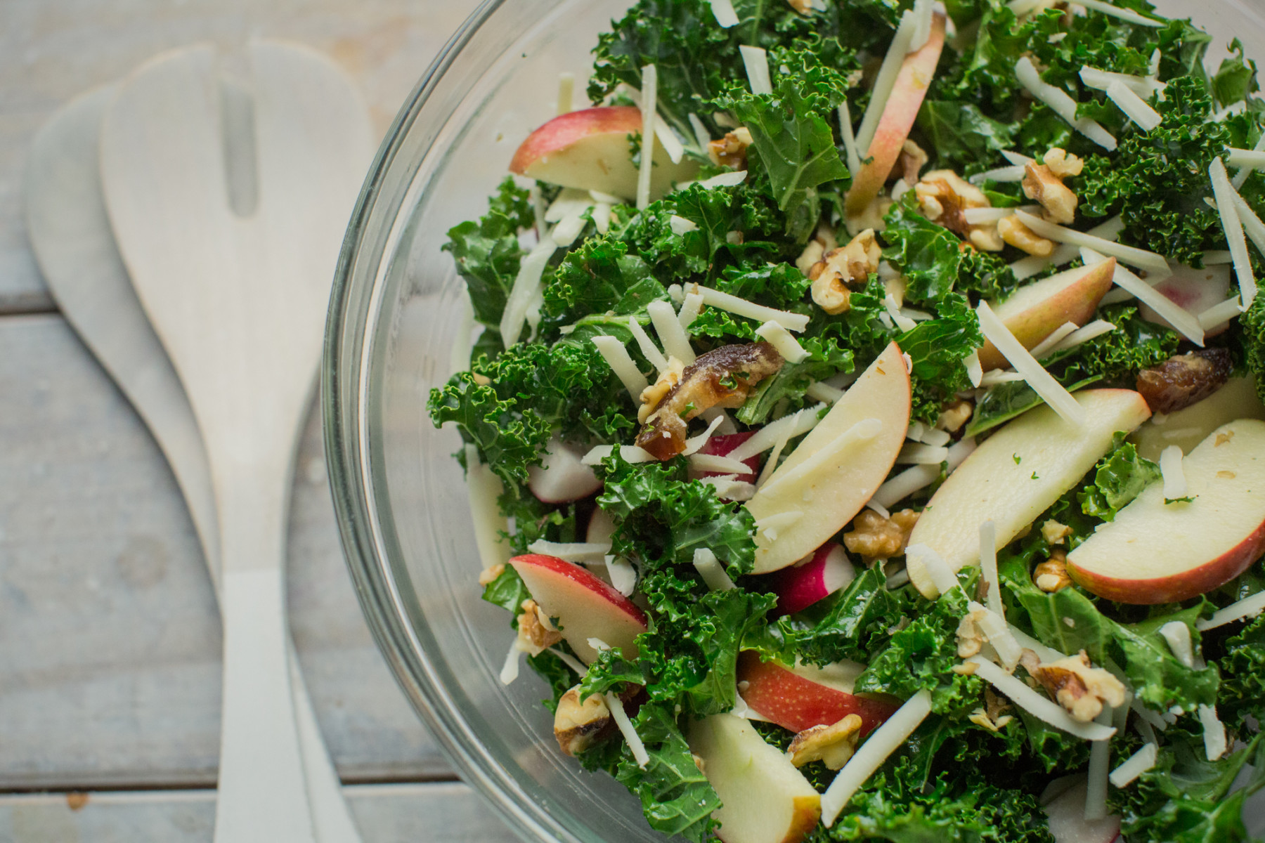 8 Effortless Salads that Won't Leave you Feeling Hungry: Kale, Apple, and Walnut Salad