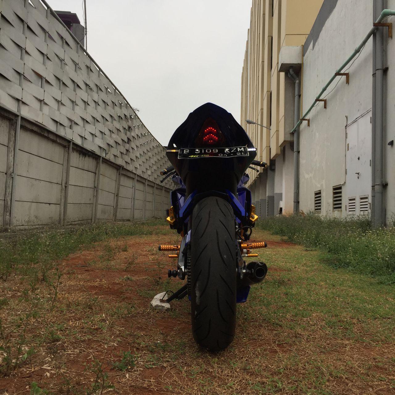 Sibiu - Yamaha R15 v2 Modified1