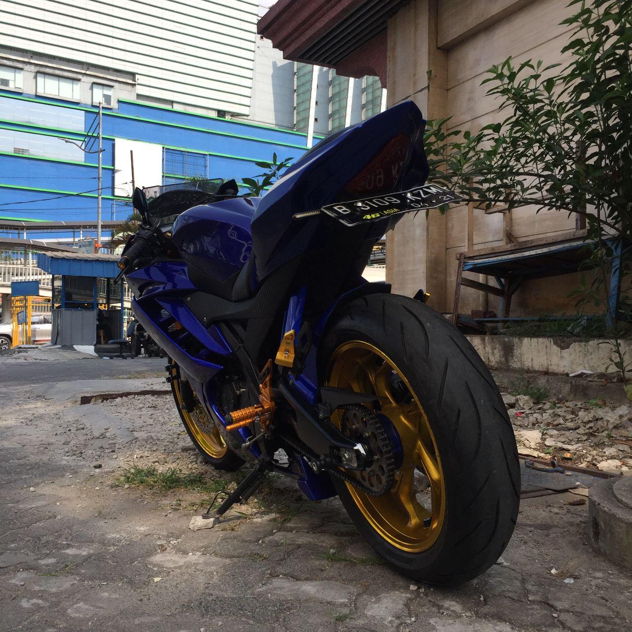 Sibiu - Yamaha R15 v2 Modified3